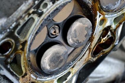 motor poskodenie piest